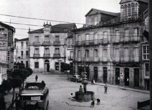 Imagen de la PLaza Mayor de Viana do Bolo en el año 1905.